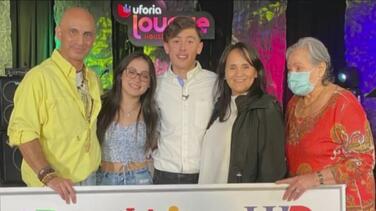 """Anuncian ganador del programa de becas """"Tu Futuro"""" de Univision Houston y UHD"""