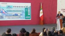 AMLO presenta boleto de lotería del avión presidencial del que nunca serás el dueño, aunque ganes el sorteo