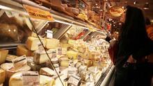 Retiran quesos del mercado por riesgo de contaminación con listeria