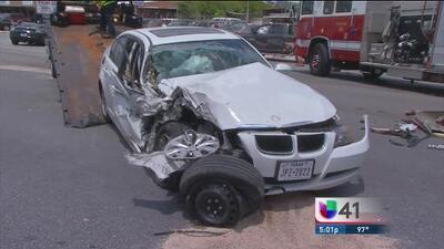 Aparatoso accidente automovilístico en el centro de San Antonio dejó varios heridos