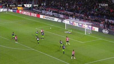 Renan Ribeiro ahoga el grito del gol de Ritsu Doan con gran atajada