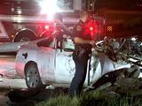 Vehículo se parte en dos frente a estación de bomberos de Houston, hay dos heridos graves