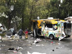 Camiones destruidos y ventanas rotas: Así quedó la zona donde se registró una explosión en San Marcos