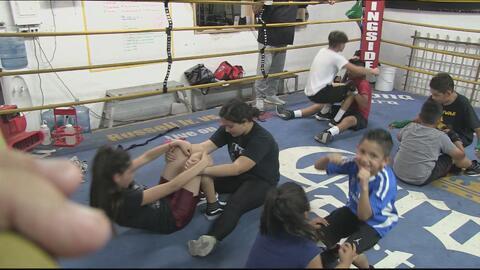 Promesas del futuro: Este grupo de padres dona su tiempo para que los niños aprendan de box