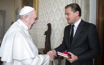 Leonardo DiCaprio se reúne con el Papa Francisco