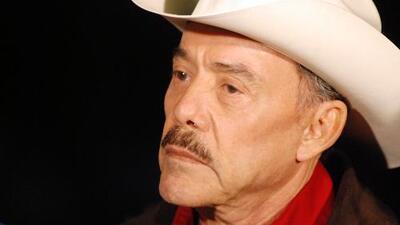 Indignado, Pedro Rivera responde si ya fue invitado a la fiesta de XV años de la hija de Lupillo y Mayeli