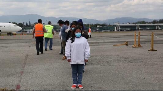 Siguen las deportaciones: un centenar de familias con niños entre los primeros en ser expulsados de EEUU en 2021