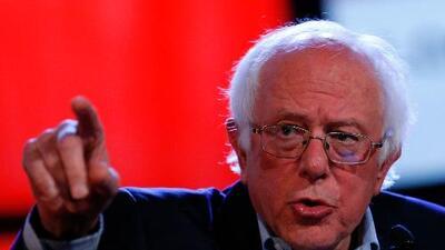 Bernie Sanders espera que las acusaciones de acoso sexual hagan renunciar a Donald Trump