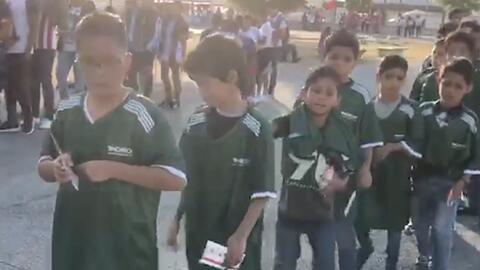 Chivas cumple el sueño de 200 niños como campaña de inclusión