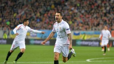 Sevilla remonta con goles de Vitolo y Correa en el debut de Vietto