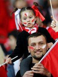 Soccer Football - Euro 2020 Qualifier - Group H - Turkey v Moldova - New Eskisehir Stadium, Eskisehir, Turkey - March 25, 2019 Turkey fans before the match REUTERS/Murad Sezer