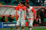 Berisha (28', 41') marcó doblete, Miranchuk (79') descotó por la vía penal y Adeyemi (81') selló la victoria. Con este triunfo, obligan a los del 'Cholo' a obtener un buen resultado ante el Bayern para pensar en la siguiente ronda.