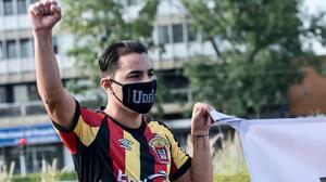 Omar Bravo, de figura del Tri y Chivas a protestar en las calles