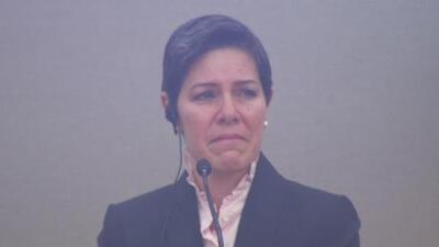 Entre lágrimas, esposa de exempresario hallado culpable de tres delitos dijo que desconocía cómo operaba el negocio
