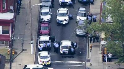 Seis agentes de la policía resultaron heridos durante tiroteo en Filadelfia