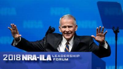 El hombre en el centro del escándalo Irán-Contras será el nuevo presidente de la NRA