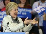 Clinton recibe en Carolina del Sur una necesaria dosis de confianza para el supermartes