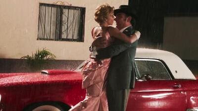 Detrás de cámaras: te mostramos cómo se grabó el beso bajo la lluvia de Silvia y Emilio
