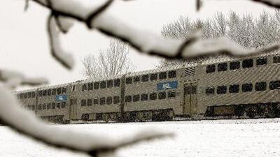Metra Electric Line sigue suspendida. Todas las otras líneas regresan a la normalidad