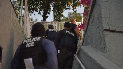 """""""Un operativo de ICE me enfermó"""": cómo la ansiedad por las deportaciones afecta la salud de los migrantes"""