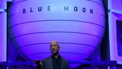 Dueño de Amazon quiere mandar vehículos a la Luna en 2024