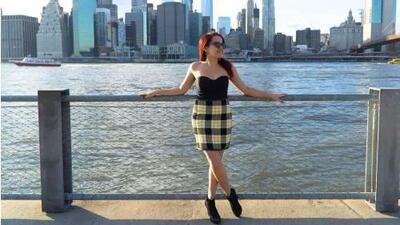 Una joven latina convierte una dificultad física en el impulso para vivir el sueño de conocer el mundo