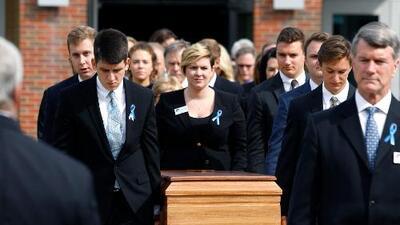 Miles de personas asisten al funeral de Otto Warmbier, el joven que murió tras ser liberado en coma por Corea del Norte
