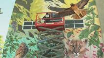 Embellecen una escuela primaria de Los Ángeles con la ilusión de que los estudiantes regresen pronto