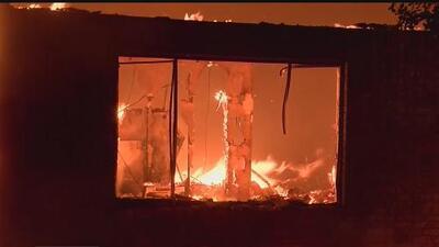 Muere una persona en el incendio Carr en el condado Shasta