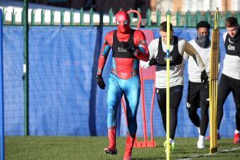 Jamie Vardy cambió su nombre a Peter Parker y entrenó disfrazado de Spider-Man