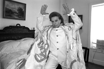 """En fotos: adiós al mítico astrólogo de la televisión Walter Mercado con """"mucho, mucho amor"""""""