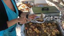 Arepas y democracia: así ayudan a registrarse para votar los vendedores ambulantes de comida