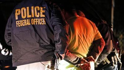 En un minuto: Entra en vigor nueva ley antiinmigrante en Florida que exige a agencias locales y estatales que colaboren con autoridades de inmigración