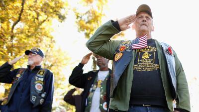 Aprovecha los descuentos y comidas gratis este Día de los Veteranos