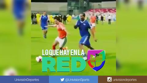 No necesita ni la pelota: Sin tocarla, así humilló Ronaldinho a un rival en pleno partido