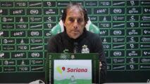 Almada niega acercamiento de Santos para renovar