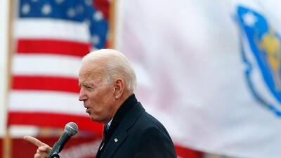 Joe Biden parte como favorito, pero su candidatura enfrenta dos obstáculos: el voto progresista y el femenino