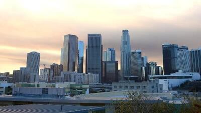 Condiciones secas y cielos parcialmente nublados para la tarde de viernes en Los Ángeles