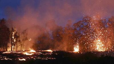 Volcán Kilauea en Hawaii: siguen las explosiones de lava y fuego que destruyen todo a su paso