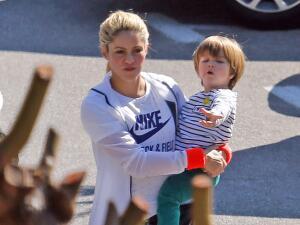Los hijos de Shakira también son deportistas: la cantante lleva a Sasha Piqué a clases de natación