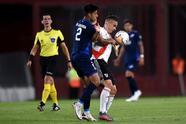 Con goles de Gonzalo Montiel al 67 y Bruno Zuculini al 90+6, River toma una cómoda ventaja en los cuartos de final.