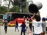 Aficionados de Dodgers no olvidan el escándalo del robo de señales