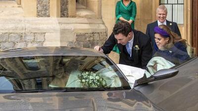 Nadie pensó en la novia: por querer ser 'James Bond', el novio puso en aprietos a Eugenie (casi no entra)