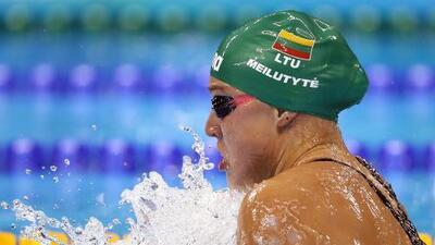 Campeona olímpica de natación que sufre depresión se retira a los 22 años