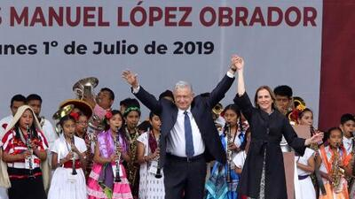 Entre acarreos y opiniones encontradas, así fue el festejo de AMLO a un año de su triunfo en las elecciones de México