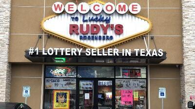 El Powerball juega hoy con un jugoso premio y esta gasolinera en Texas no para de recibir clientes