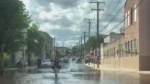 Residentes de Filadelfia se vieron afectados por la lluvia y los fuertes vientos provocados por la tormenta tropical Isaías