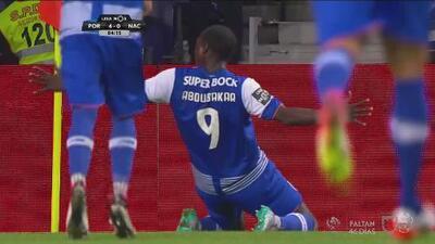 Oporto 4-0 Nacional: Héctor Herrera y Corona guían goleada y triunfo del Oporto
