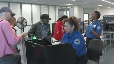 Aumenta la cantidad de personas intentado pasar marihuana a través del aeropuerto de Los Ángeles