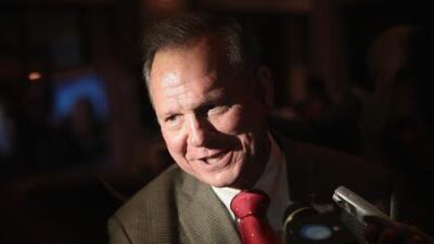 Comité Nacional Republicano financiará a Roy Moore pese a las acusaciones de agresión sexual